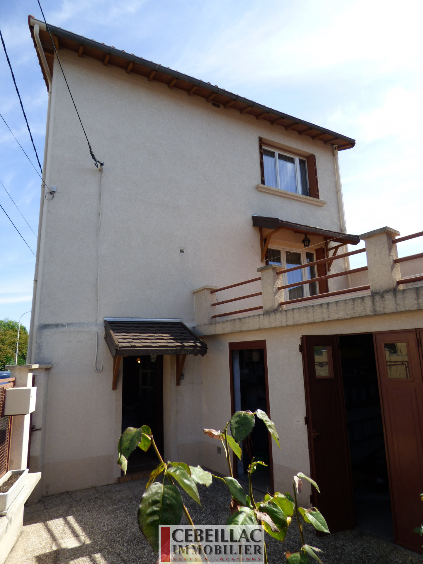 Vente maison avec terrasse garage et cour for Maison terrasse sur garage